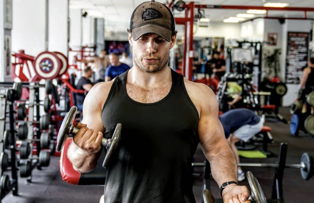 henry-cavill-working out for The Witcher
