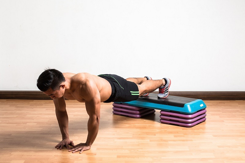 close grip push ups triceps exercise