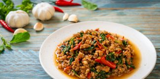 stir fried thai basil with minced pork recipe